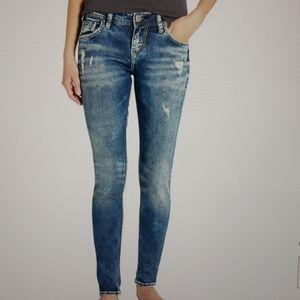 SILVER Girlfriend jeans. Womens size 28